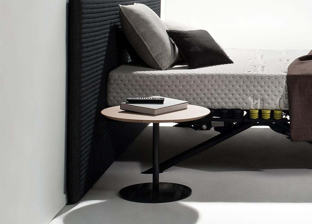 Couchtisch niedrig trendy moderne wohnzimmer design weie for Design couchtisch twister